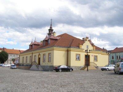 Ratusz w Zakliczynie / Andrzej O - Praca własna / Wikipedia / CC BY-SA 3.0