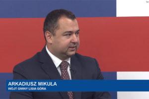 Nowe tereny inwestycyjne w gminie Lisia Góra. Mniejsze wpływy do budżetu gminy, ale inwestycje nie zagrożone – wywiad z Wójtem Arkadiuszem Mikułą w Tarnowska.tv