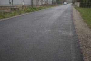 Nowe nakładki asfaltowe na drogach gminnych