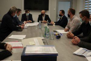 Podpisanie umowy na dokończenie budowy sieci kanalizacji w Pogórskiej Woli i Ładnej
