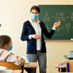 W styczniu będą testować nauczycieli na obecność SARS-CoV-2