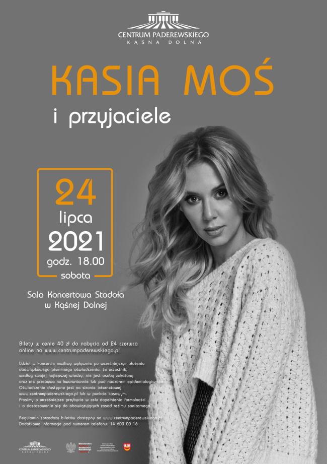 Plakat Koncert Kasi Moś - na szarym tle pozuje wokalistka