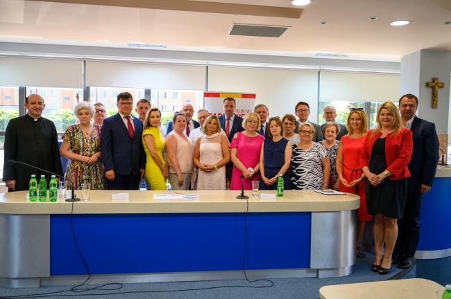 Zdjęcie pamiątkowe uczestników spotkania