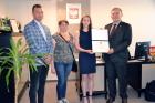 Dyplom i nagroda dla młodej zawodniczki we wspinaczce
